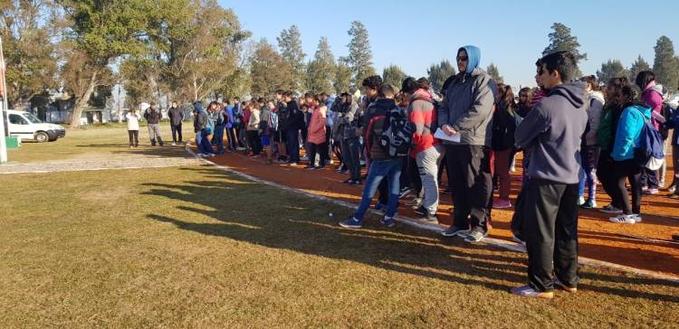 Tostado: competencia de atletismo juvenil