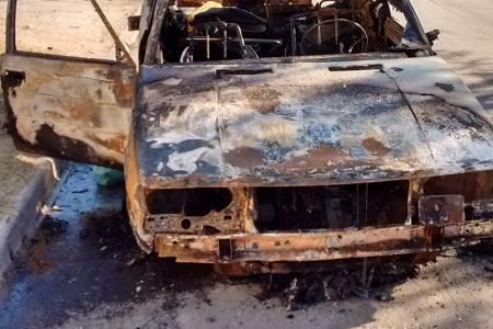 Tostado: se incendió un auto frente a RadioSol 103